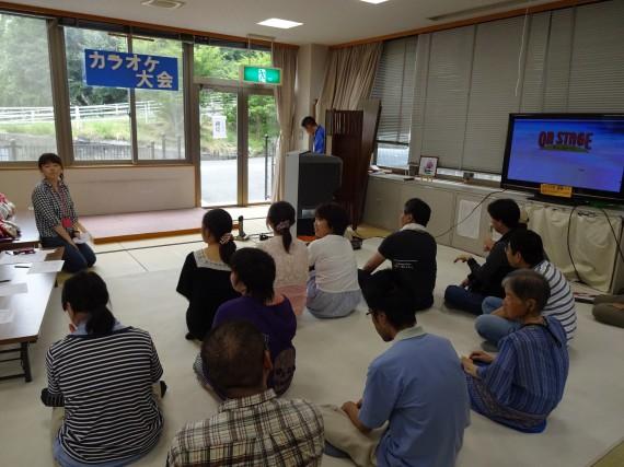 カラオケ大会開催前。ドキドキ(゜_゜>)