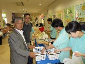 円奈理事長と佐藤事務局長がパンを買いに来てくださいました!
