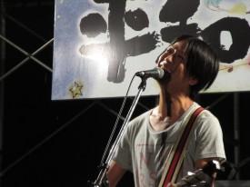 岩瀬敬吾さんによる平和コンサート
